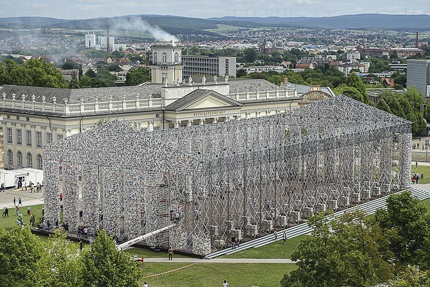 Friedrichsplatz mit Parthenon der Bücher