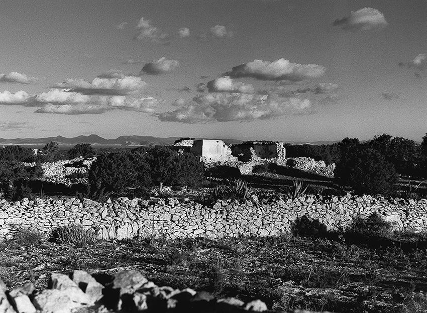https://lupuswolf.de Der Himmel Formentera über Formentera Ruine Blick Richtung Ibiza