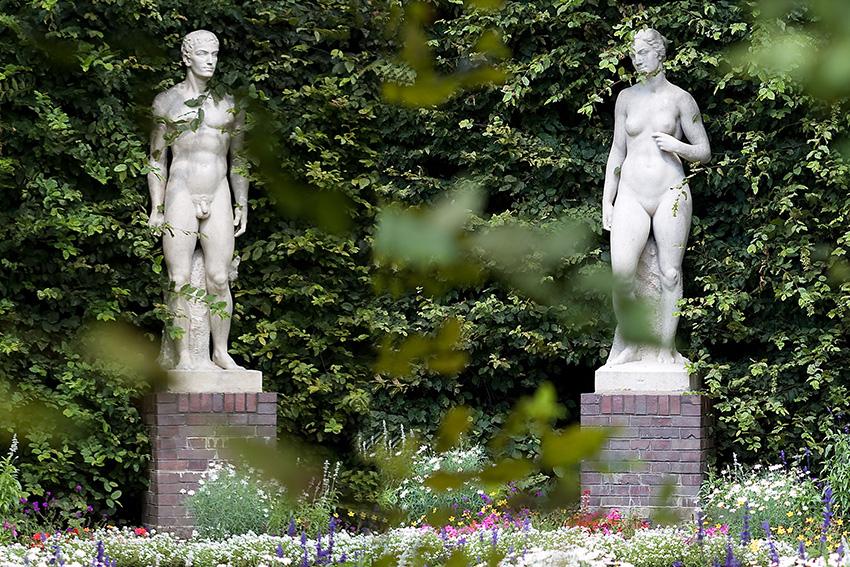 Adam + Eva