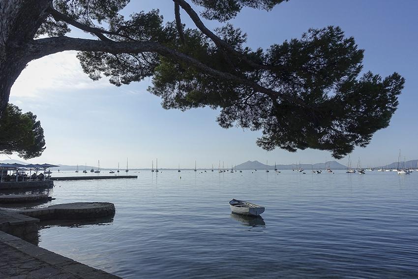 Bucht Port de Pollença Großer Zweig Boot