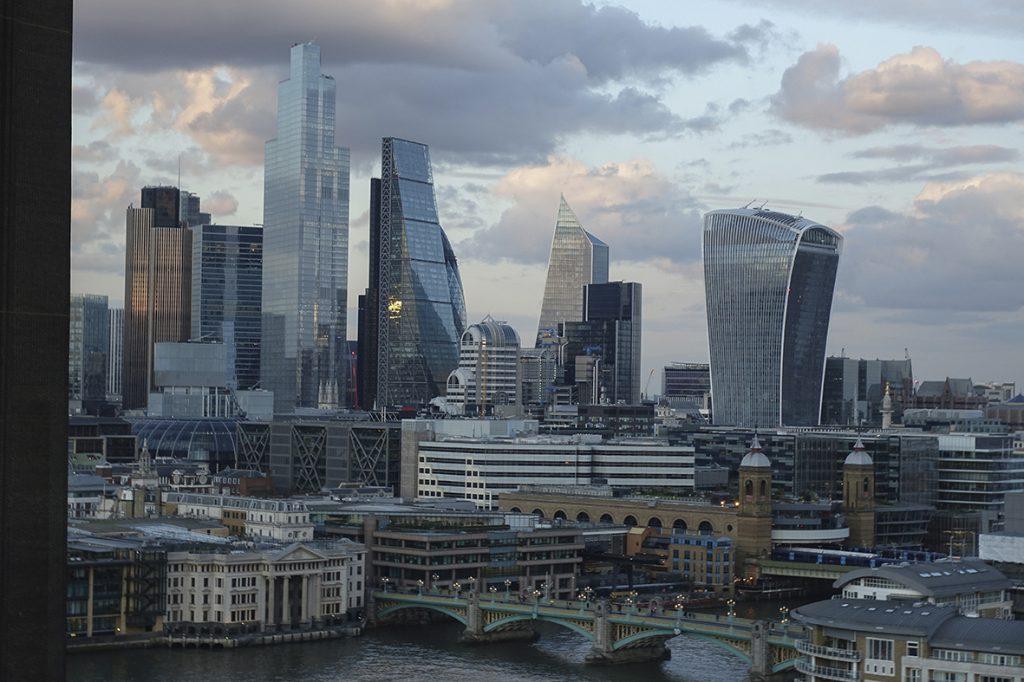 Blick vom Tate Modern auf City von London