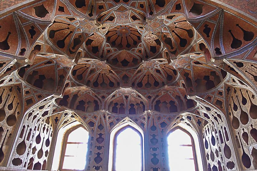 Ali-Qapu-Palast Isfahan Decke Ornamente