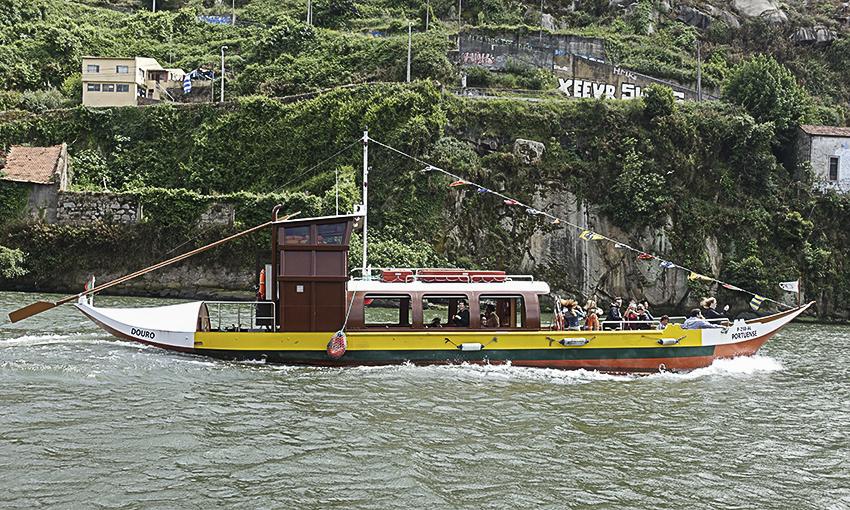 PORTO die barocke Stadt am Douro Rabelo-Boot