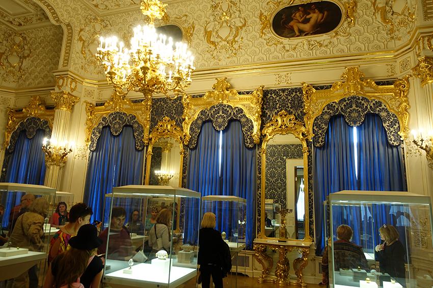 Zarenstadt Sankt Petersburg - Fabergé - Katharinenpalast Fabergé Museum Ausstellungsraum
