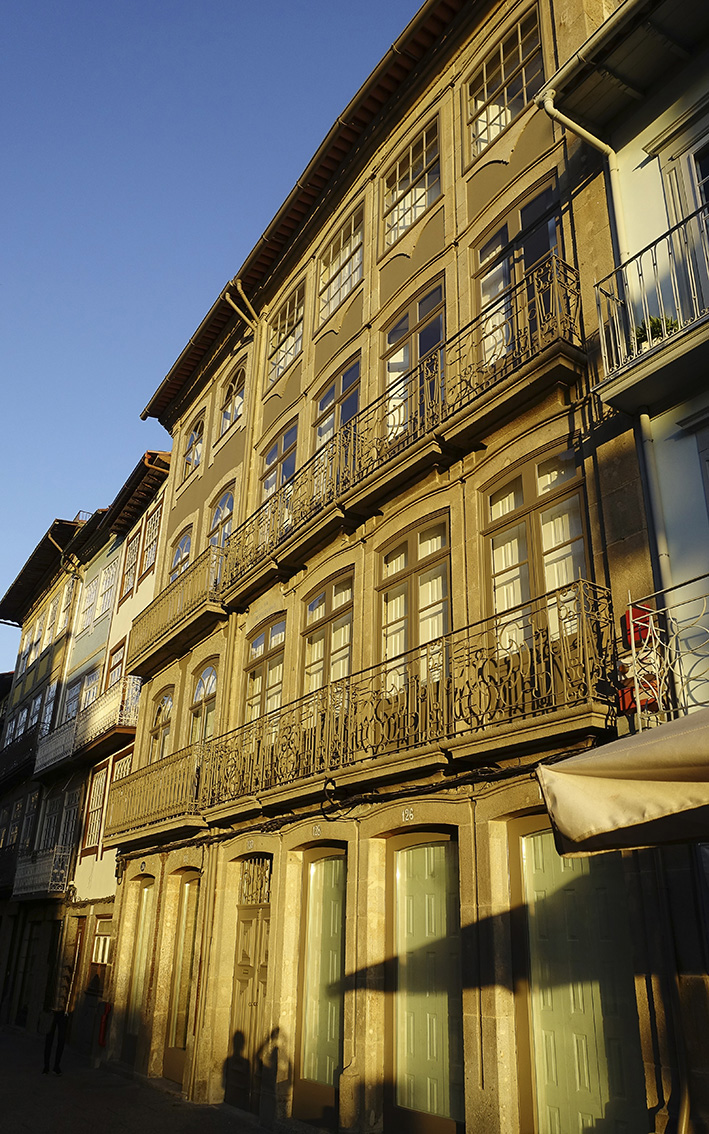 Guimarães Minho Portugal typische Hausfassade