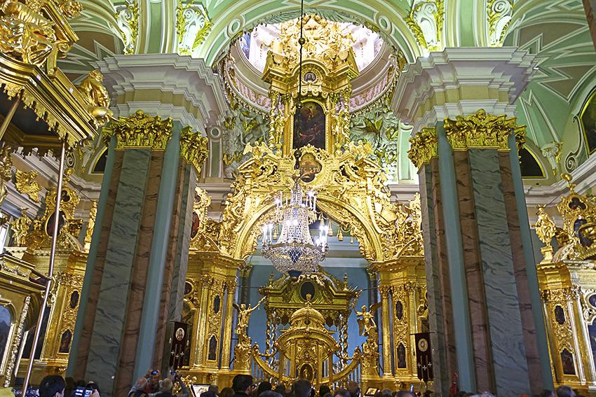Zarenstadt Sankt Petersburg - Kathedralen Peter-und-Paul-Kathedrale innen